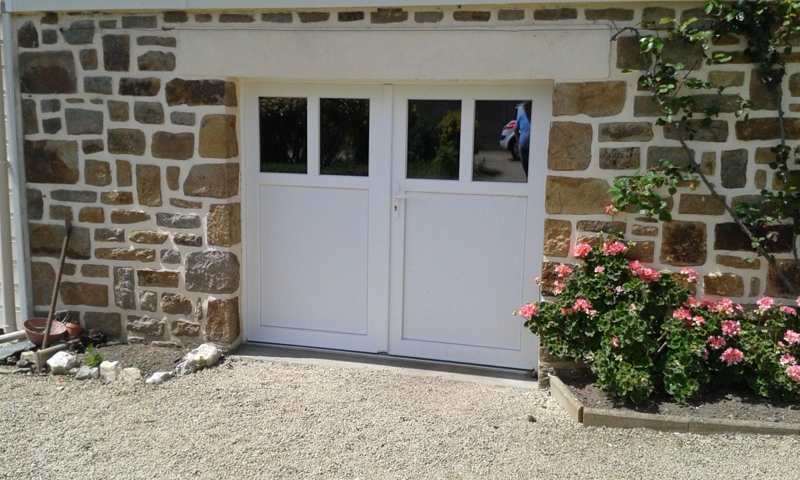 Porte de garage battante avec portillon int gr ouverture - Porte de garage coulissante motorisee avec portillon ...