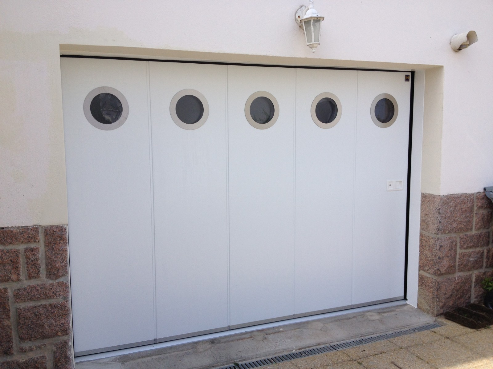 Porte garage coulissante the best home design - Porte de garage electrique coulissante ...