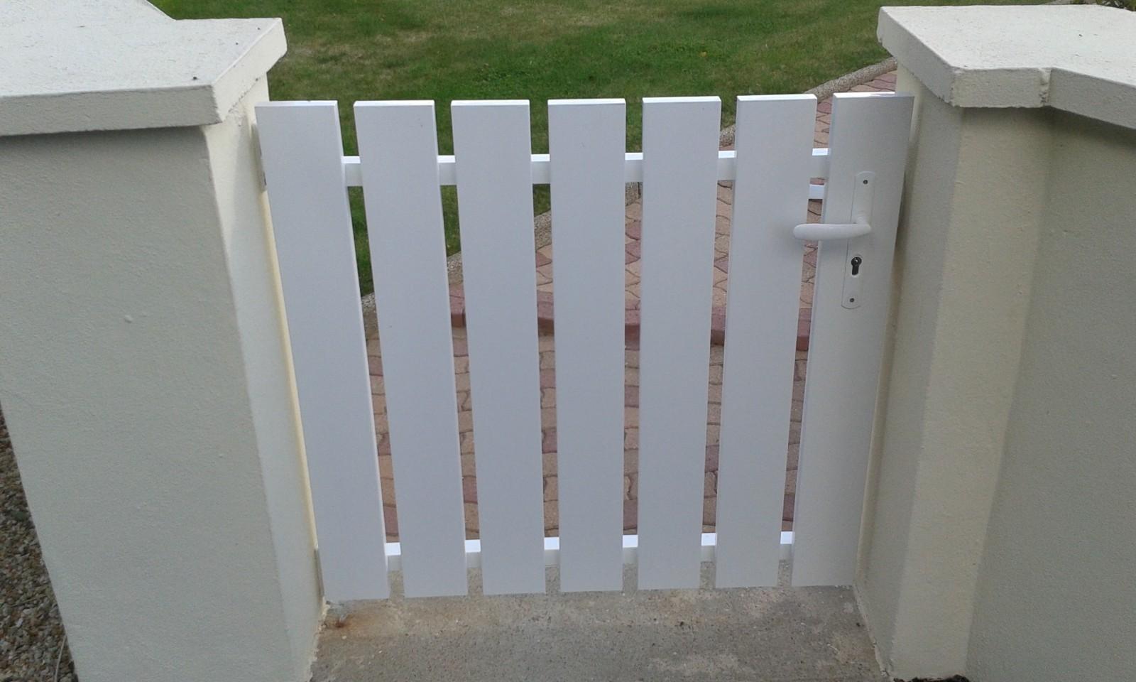 c16edcf5a8b95f Portillon extérieur de clôture