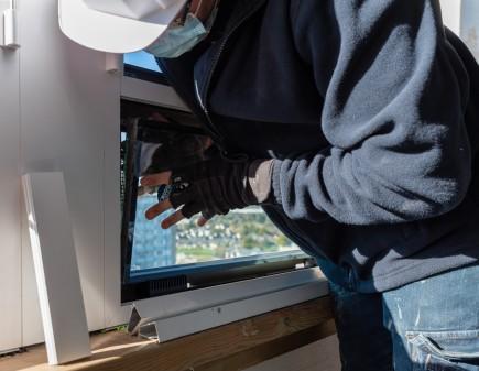 Menuisier poseur fenêtre alu