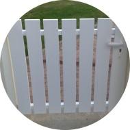 Portillon PVC à barreaudage vertical