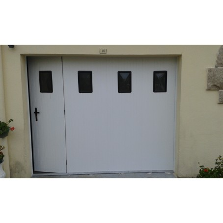 Porte de garage lat rale coulissante pvc manuelle for Porte de garage coulissante motorisee avec portillon